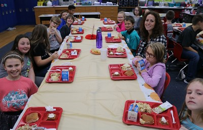 Mrs. Breese's 4th graders enjoyed a Thanksgibing meal