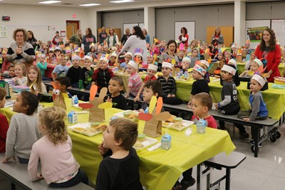 ECC students gathered together for a Thanksgiving feast